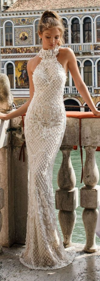 50 Simple Glam Victorian Neck Style Bridal Dresses Ideas 14