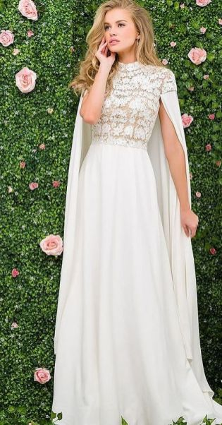 50 Simple Glam Victorian Neck Style Bridal Dresses Ideas 17