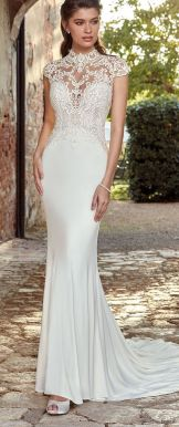 50 Simple Glam Victorian Neck Style Bridal Dresses Ideas 38