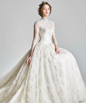 50 Simple Glam Victorian Neck Style Bridal Dresses Ideas 5