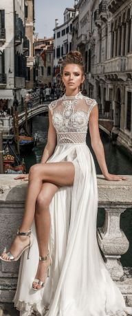 50 Simple Glam Victorian Neck Style Bridal Dresses Ideas 51