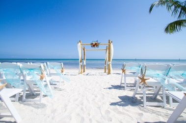 60 Beach Wedding Themed Ideas 25