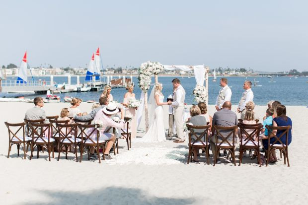60 Beach Wedding Themed Ideas 56