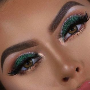 40 Green Eyeshadow Looks Ideas 12