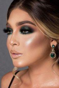 40 Green Eyeshadow Looks Ideas 17