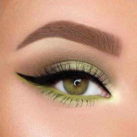 40 Green Eyeshadow Looks Ideas 20