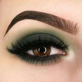40 Green Eyeshadow Looks Ideas 23