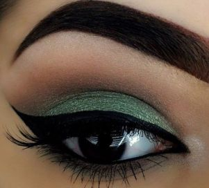 40 Green Eyeshadow Looks Ideas 25