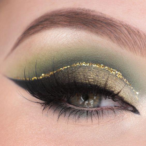 40 Green Eyeshadow Looks Ideas 26