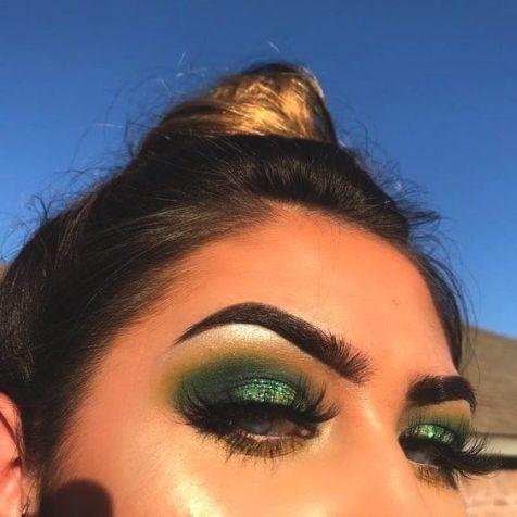 40 Green Eyeshadow Looks Ideas 6