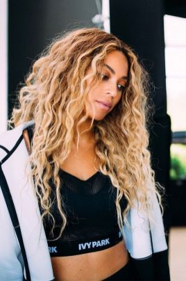 40 Loose Curly Natural Hairstyle Ideas 12