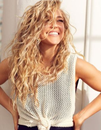 40 Loose Curly Natural Hairstyle Ideas 14