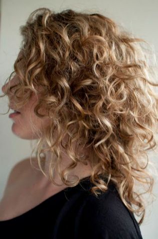 40 Loose Curly Natural Hairstyle Ideas 31