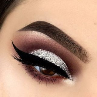 40 Silver Eye Makeup Looks You Need to Try 11