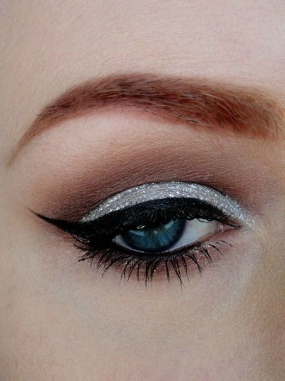 40 Silver Eye Makeup Looks You Need to Try 17