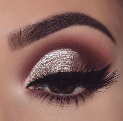 40 Silver Eye Makeup Looks You Need to Try 23