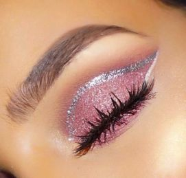 40 Silver Eye Makeup Looks You Need to Try 37
