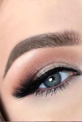 40 Silver Eye Makeup Looks You Need to Try 6