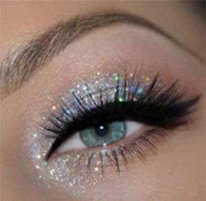 40 Silver Eye Makeup Looks You Need to Try 8