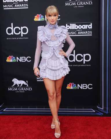 40 The Looks You Need to See From Billboard Music Awards 2019 Red Carpet 29