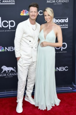 40 The Looks You Need to See From Billboard Music Awards 2019 Red Carpet 43