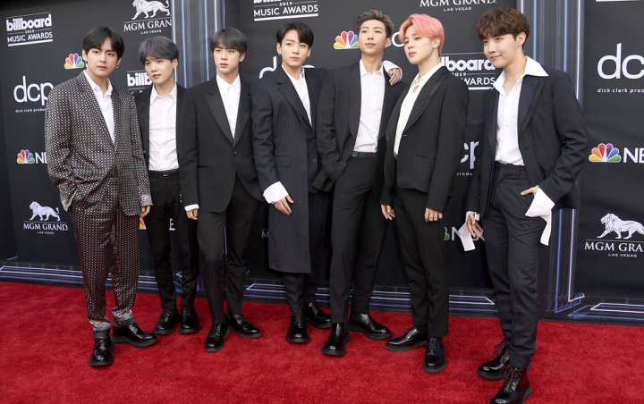 40 The Looks You Need to See From Billboard Music Awards 2019 Red Carpet 45