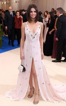 50 Adorable Met Gala Celebrities Fashion 48