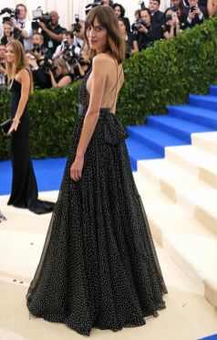 50 Adorable Met Gala Celebrities Fashion 50