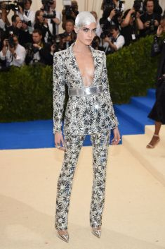 50 Adorable Met Gala Celebrities Fashion 54