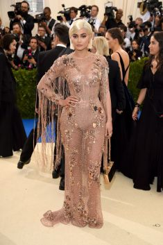 50 Adorable Met Gala Celebrities Fashion 55