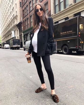 50 Comfy and Stylish Maternity Outfits Street Style Looks 10
