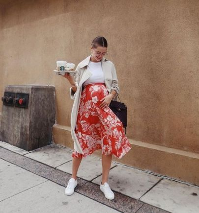 50 Comfy and Stylish Maternity Outfits Street Style Looks 35
