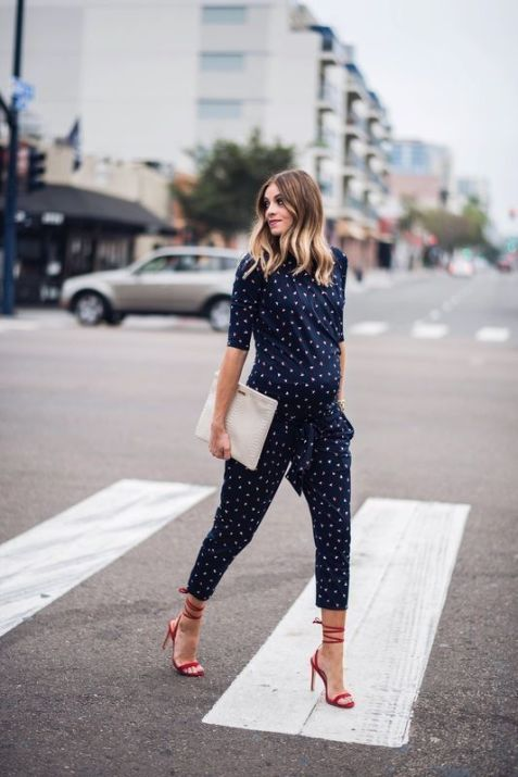 50 Comfy and Stylish Maternity Outfits Street Style Looks 40