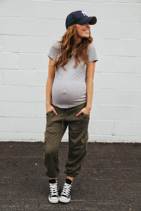 50 Comfy and Stylish Maternity Outfits Street Style Looks 54