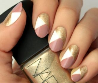 50 Glam Gold Girly Nail Art Looks Ideas 13