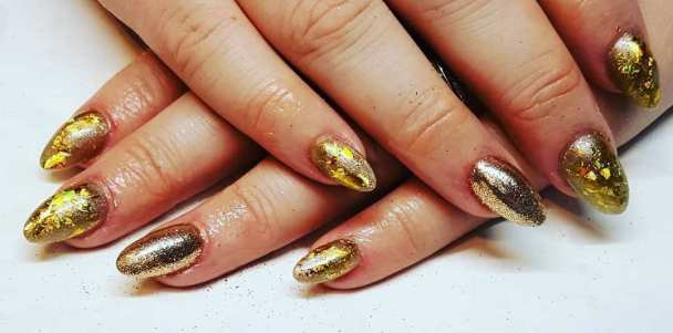50 Glam Gold Girly Nail Art Looks Ideas 19