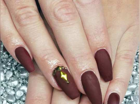 50 Glam Gold Girly Nail Art Looks Ideas 36