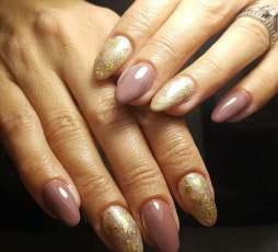 50 Glam Gold Girly Nail Art Looks Ideas 38