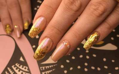 50 Glam Gold Girly Nail Art Looks Ideas 47