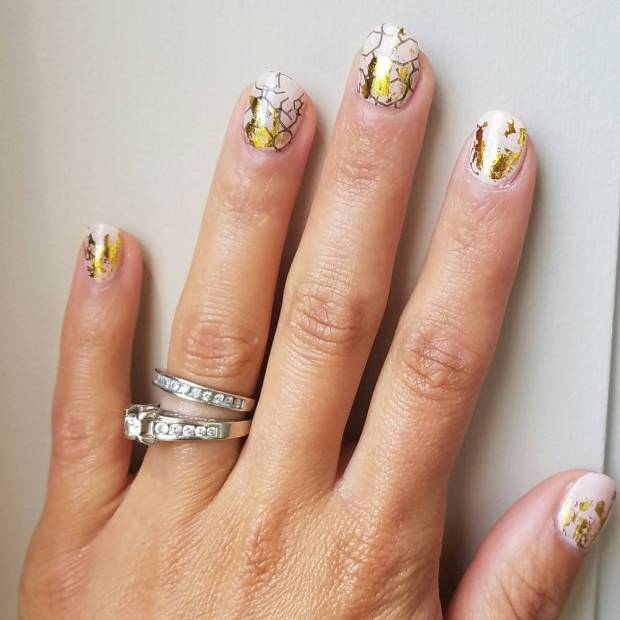 50 Glam Gold Girly Nail Art Looks Ideas 49
