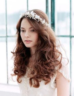 50 Natural Loose Hairstyle Looks for Brides Ideas 32