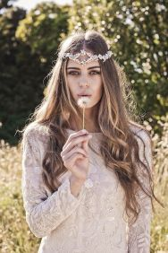 50 Natural Loose Hairstyle Looks for Brides Ideas 8
