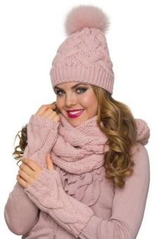 30 Best Warm Winter Hats for Women20