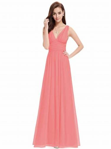 30 Inspiration for a sleeveless long dress outfit to appear feminine and trendy 19