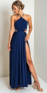 30 Inspiration for a sleeveless long dress outfit to appear feminine and trendy 32