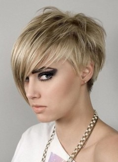 40 Beautiful short hairstyle Ideas for 2021 19