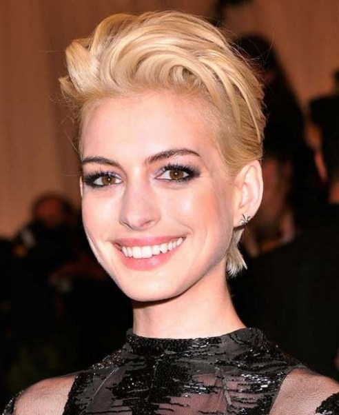 40 Beautiful short hairstyle Ideas for 2021 38