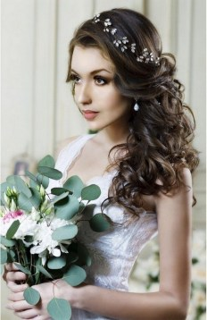 40 How Elegant Wedding Hair Accessories Ideas 08