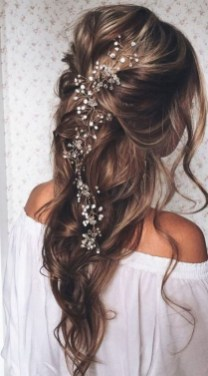 40 How Elegant Wedding Hair Accessories Ideas 09
