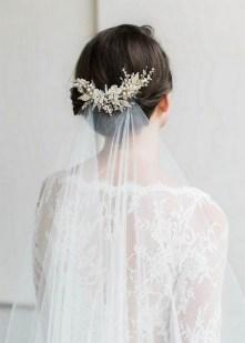 40 How Elegant Wedding Hair Accessories Ideas 14